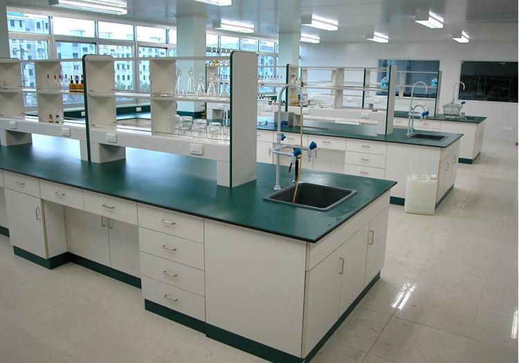 中学生理化生实验室